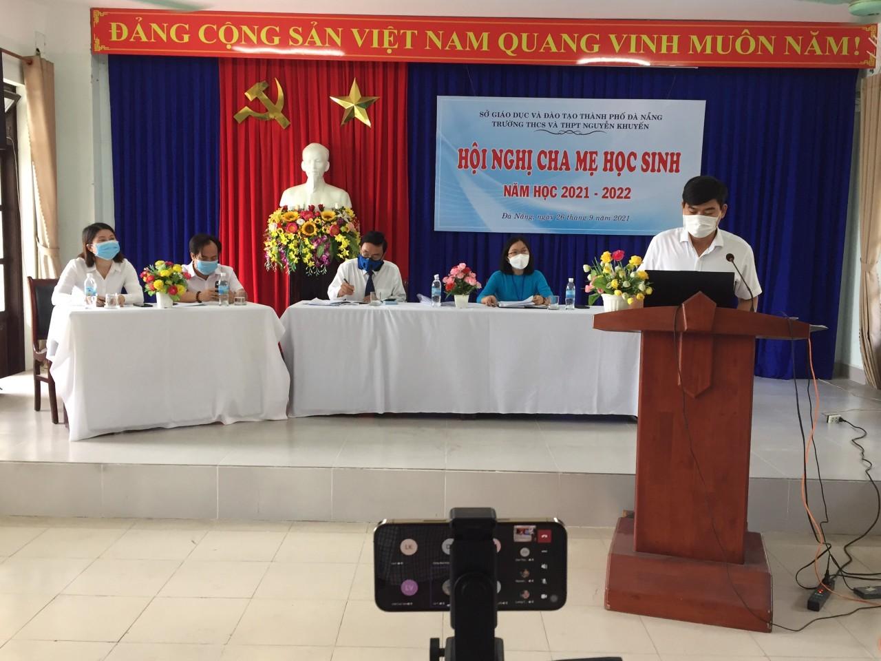 Thầy Nguyễn Văn Lộc-Phó Hiệu trưởng : báo cáo về tình hình thực
